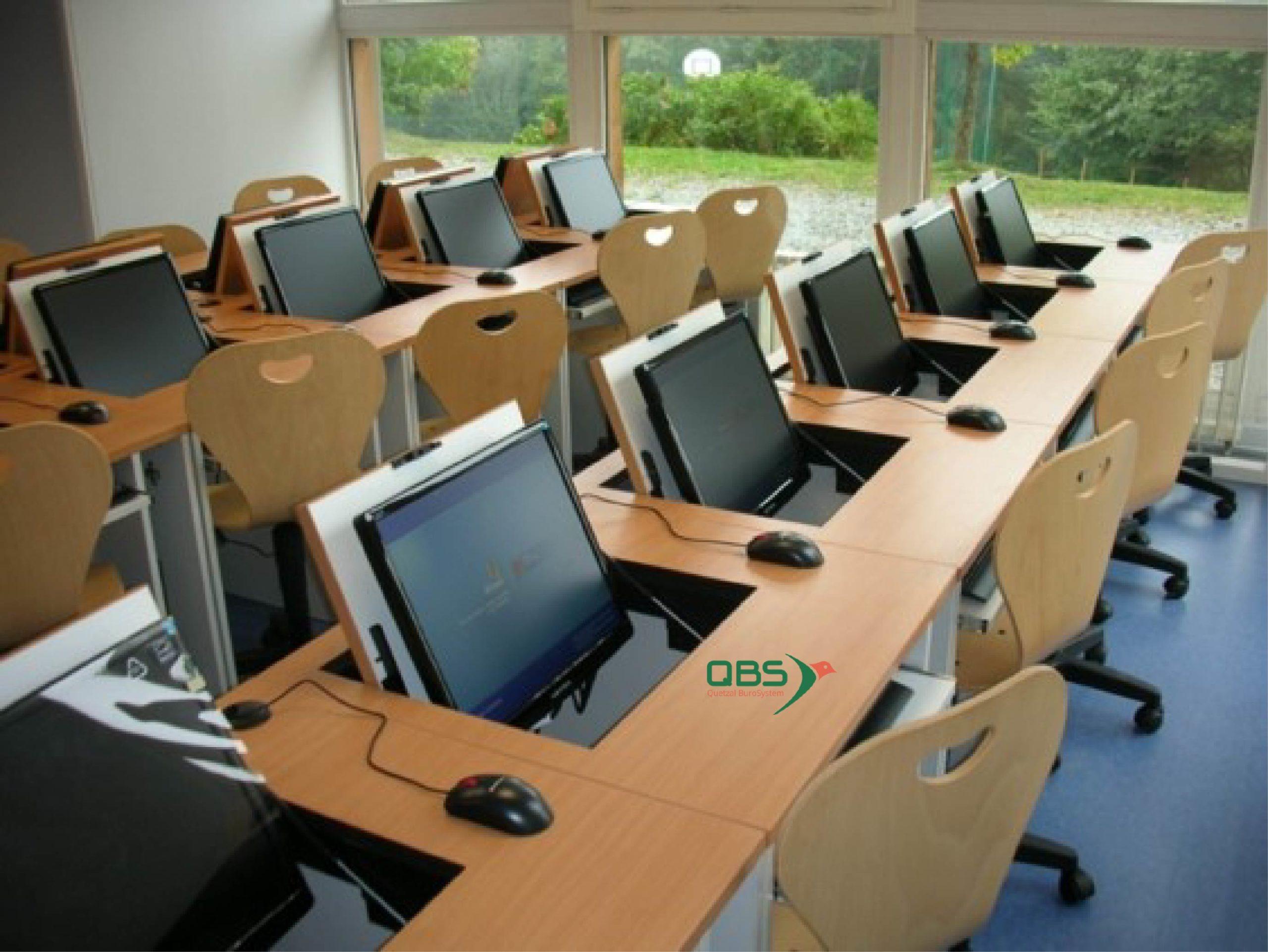 Écran escamotable mobilier spécialisé informatique formation QBS