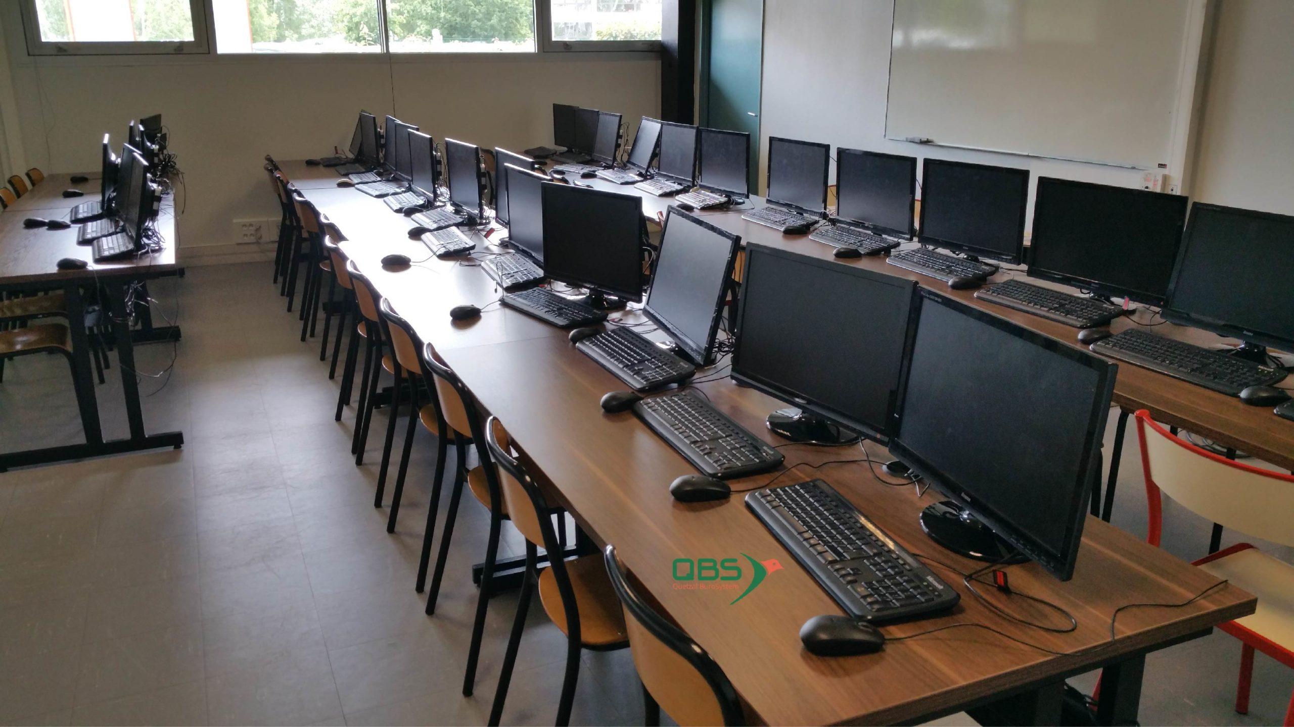 Ecran posé mobilier spécialisé informatique formation QBS